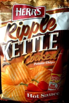Herr's - Texas Pete Hot Sauce Ripple Kettle Cooked Potato Chips