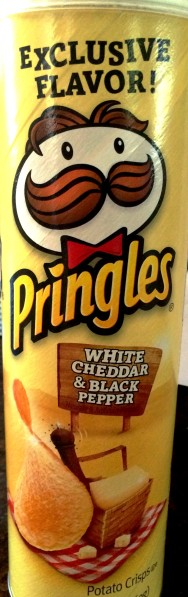 Pringles - White Cheddar & Black Pepper