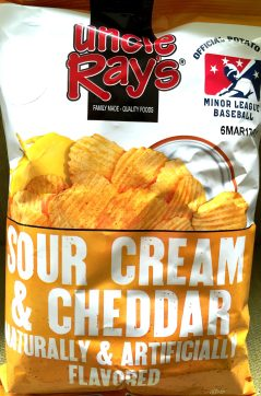Uncle Ray's - Sour Cream & Cheddar